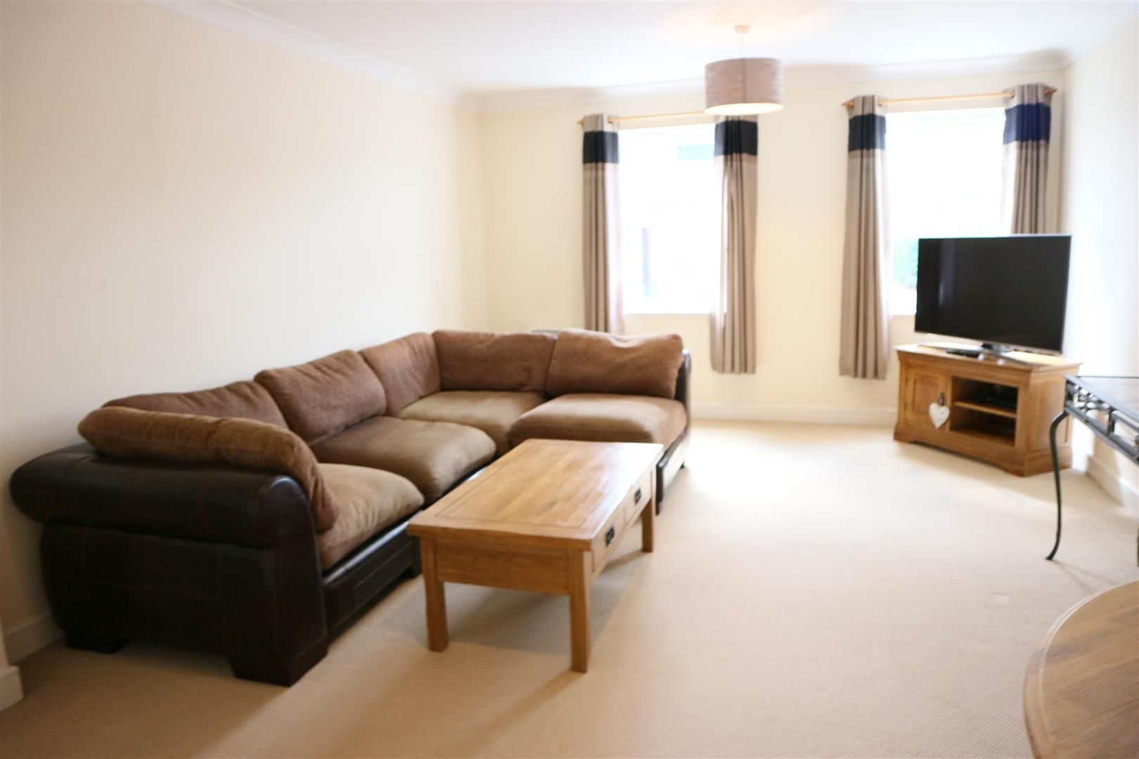 2 bed apartment for sale in Hagley 2