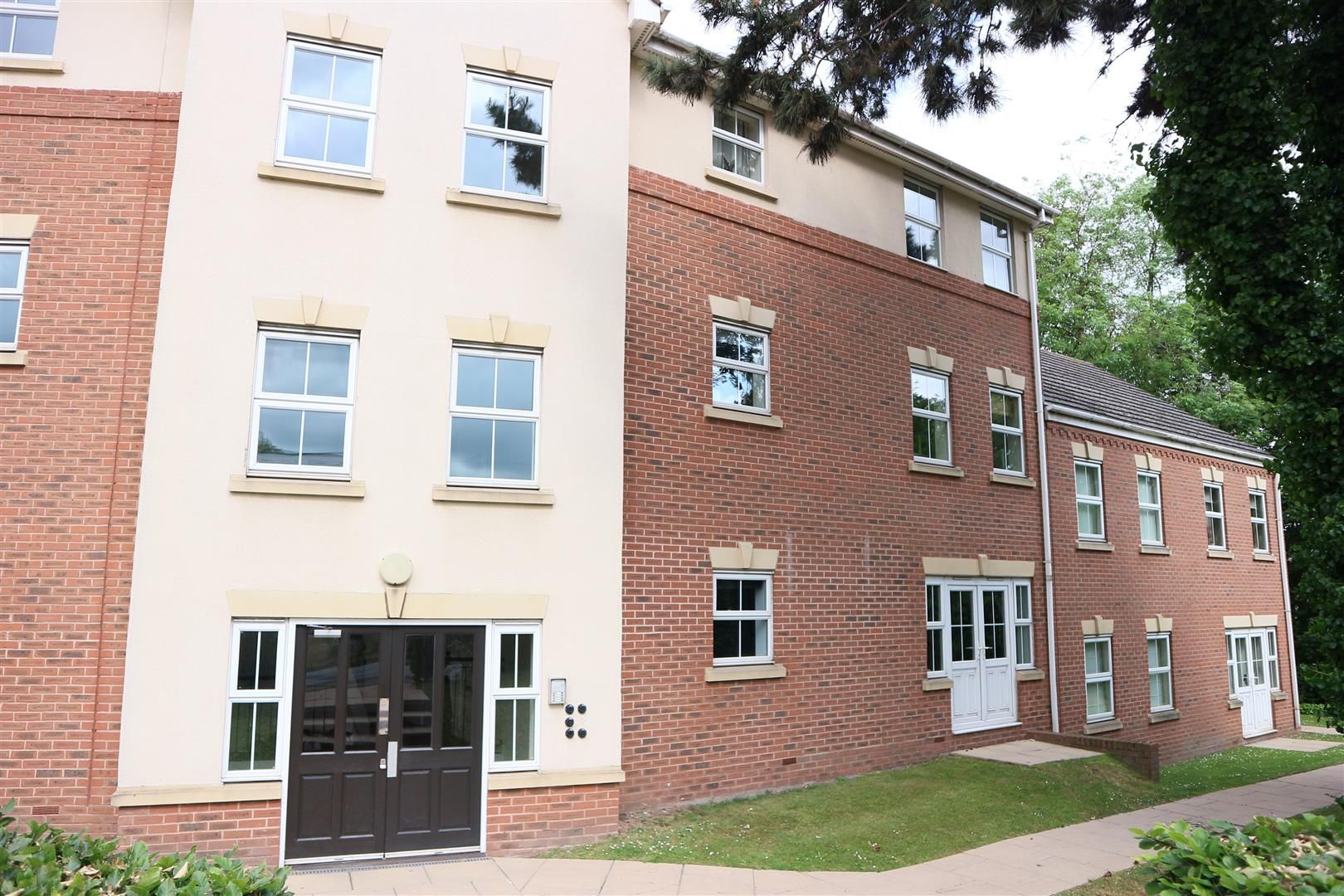 2 bed apartment for sale in Hagley  - Property Image 11