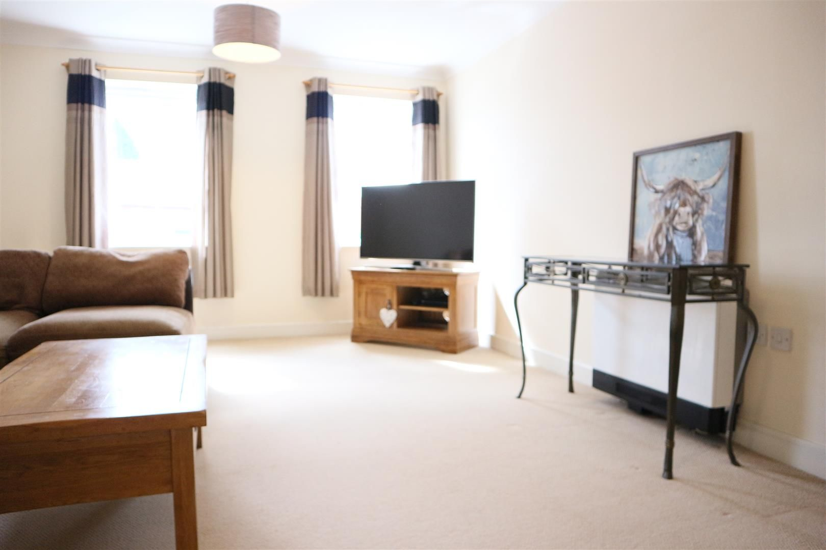 2 bed apartment for sale in Hagley 3