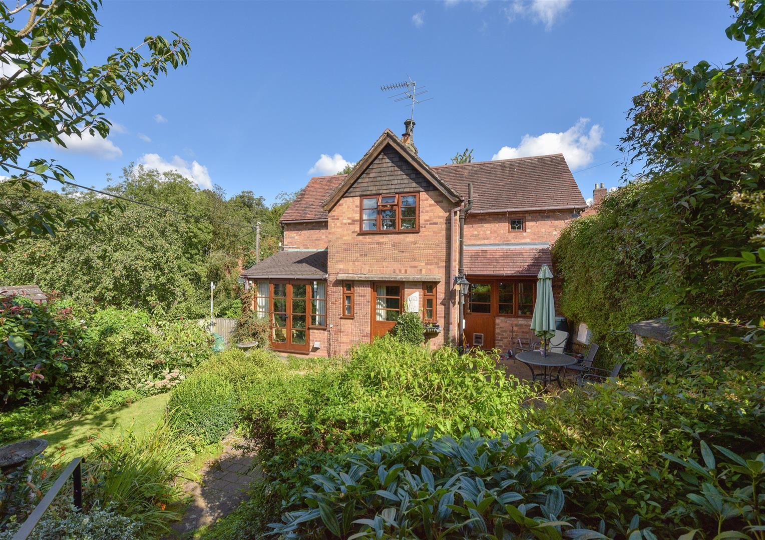 2 bed semi-detached for sale in Clent 15