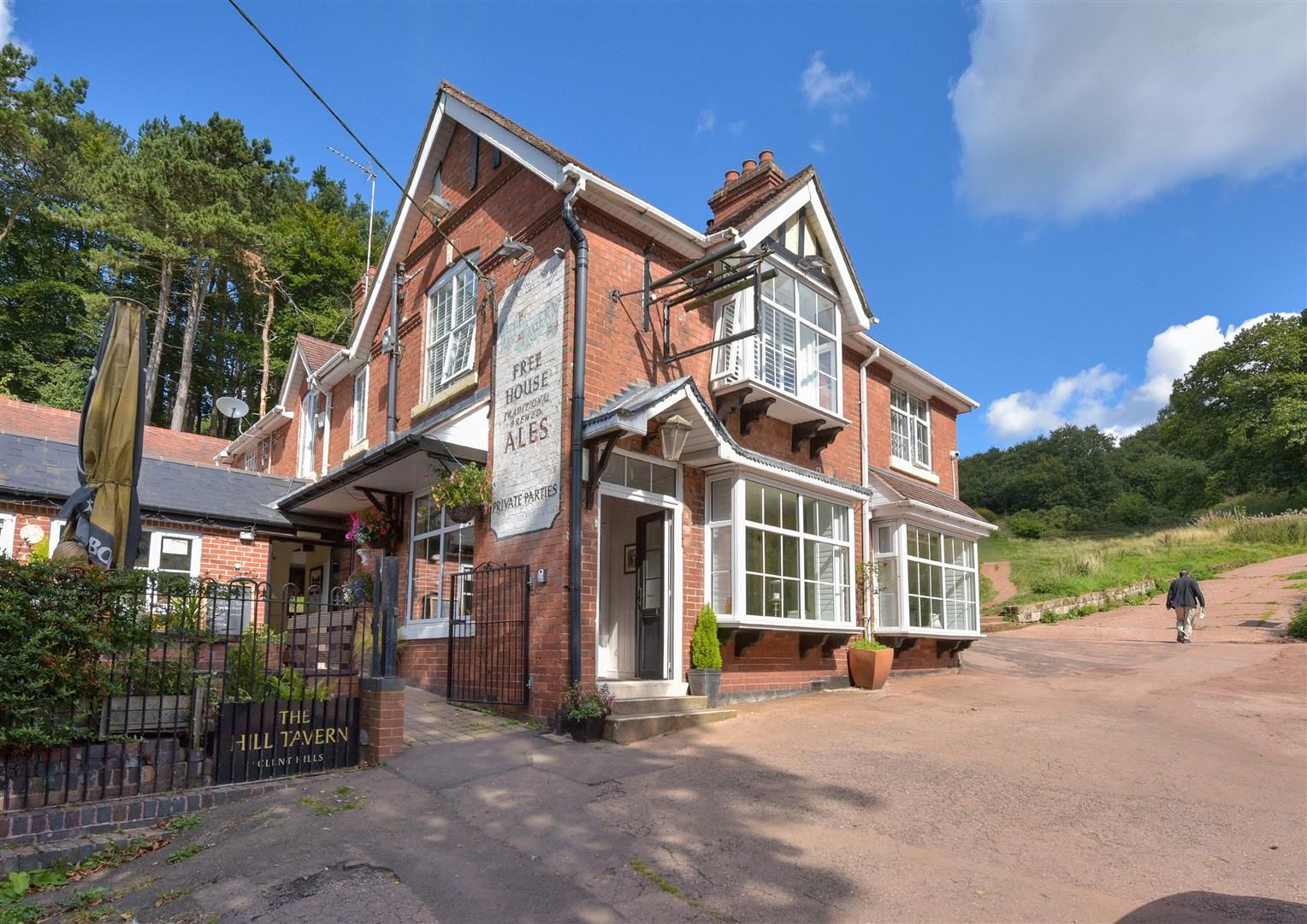 2 bed semi-detached for sale in Clent 19