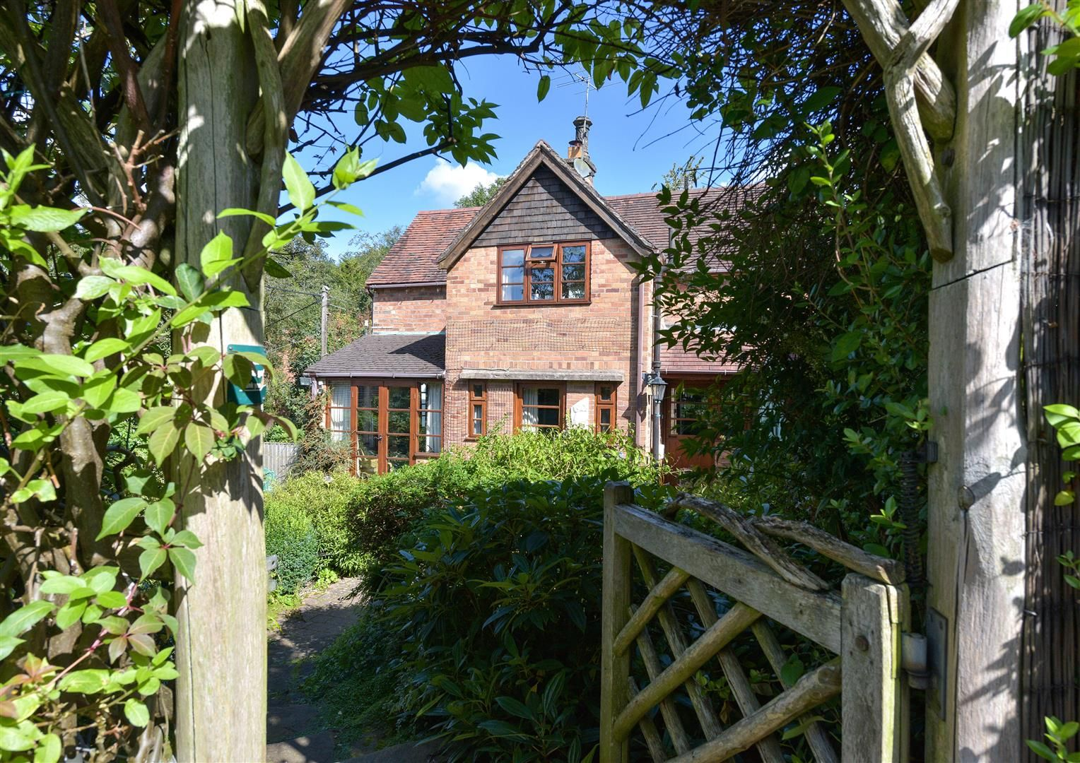 2 bed semi-detached for sale in Clent 10