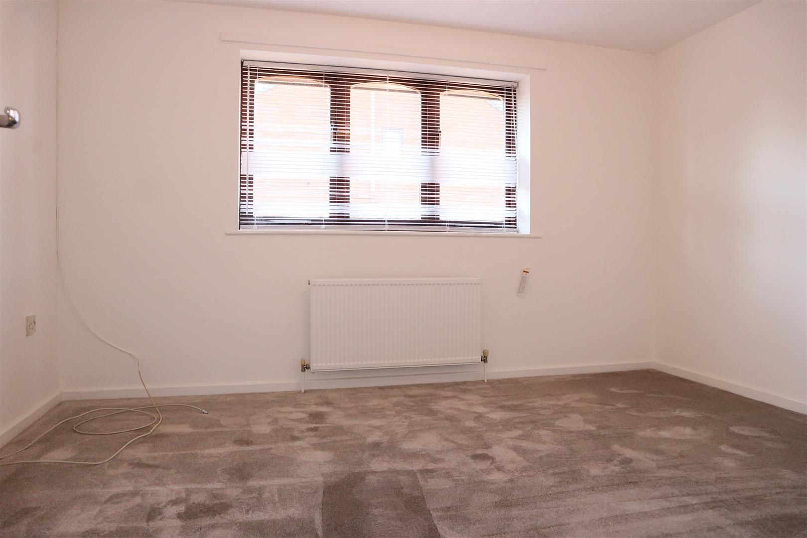 2 bed terraced for sale  - Property Image 5