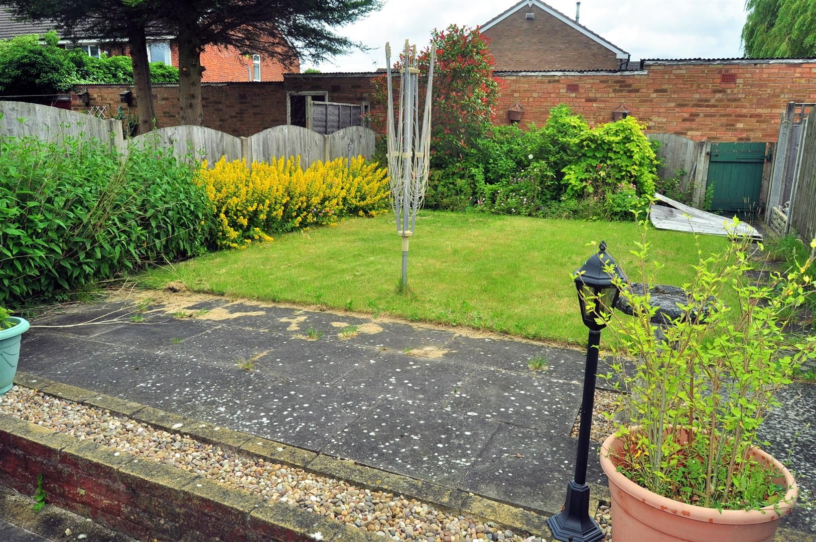 3 bed end-of-terrace for sale in Quinton 12