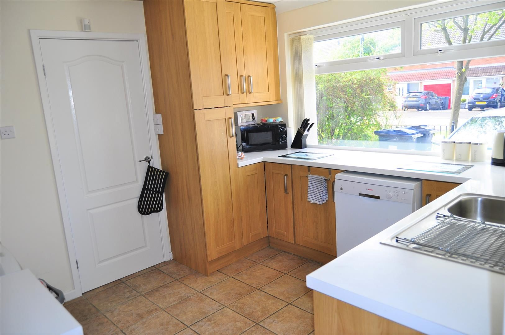 3 bed end-of-terrace for sale in Quinton 5