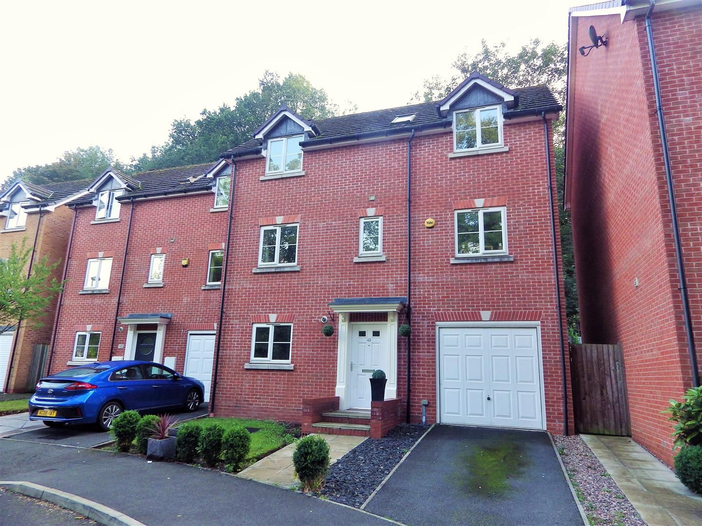 4 bed semi-detached for sale 1