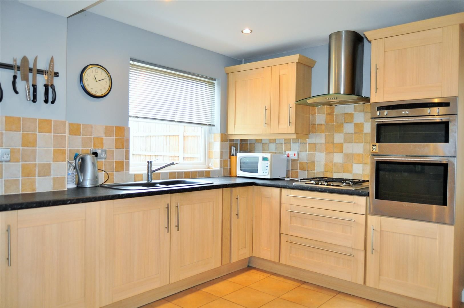 4 bed detached for sale  - Property Image 3