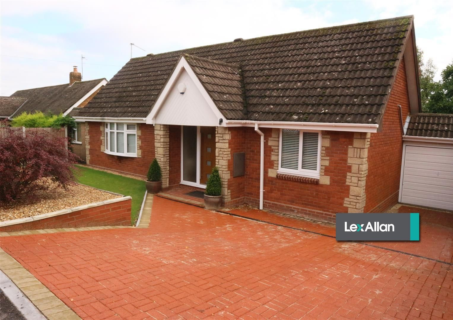 2 bed detached-bungalow for sale  - Property Image 12