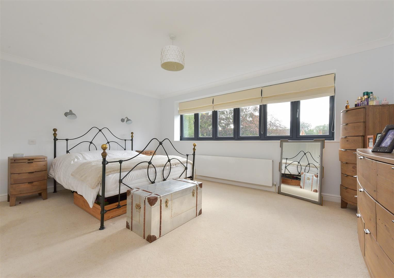 5 bed house for sale in Hagley  - Property Image 15
