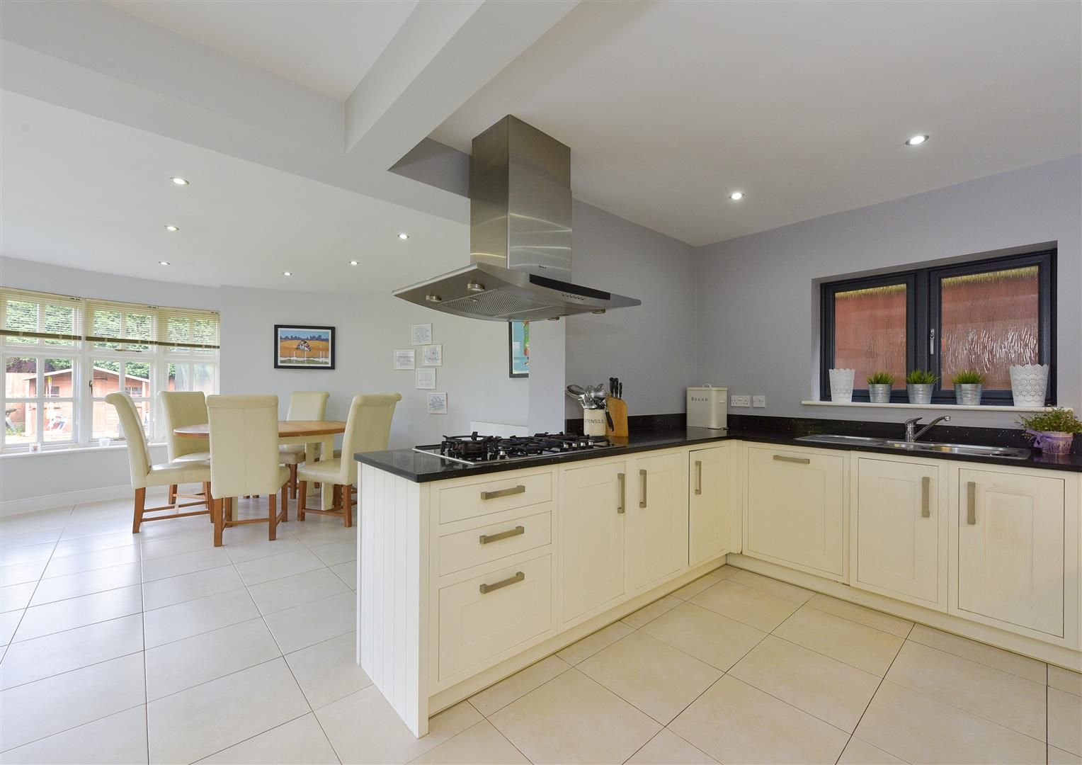 5 bed house for sale in Hagley 3