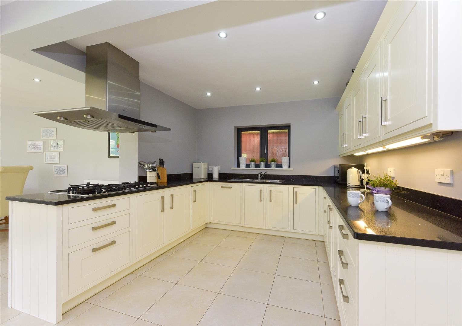 5 bed house for sale in Hagley 5