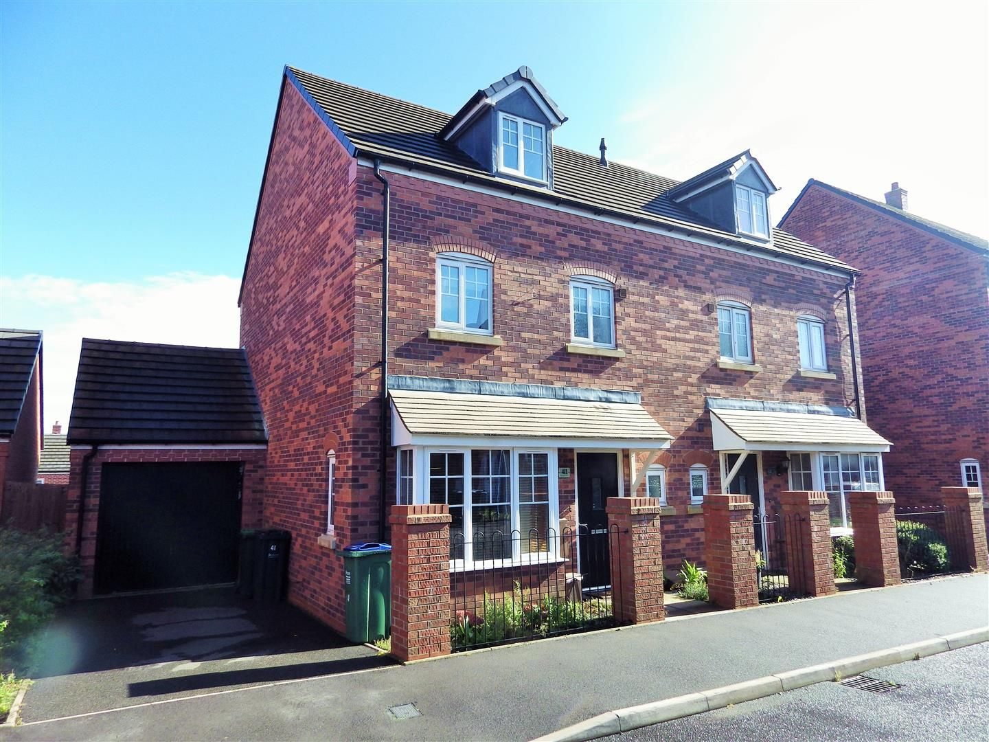 4 bed semi-detached for sale, B66