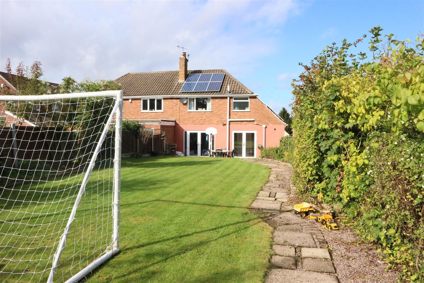 3 bed semi-detached for sale in Pedmore 12