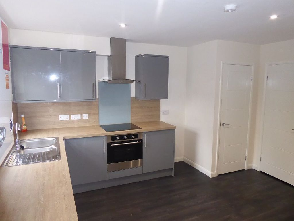 3 bed  to rent in Lye 3