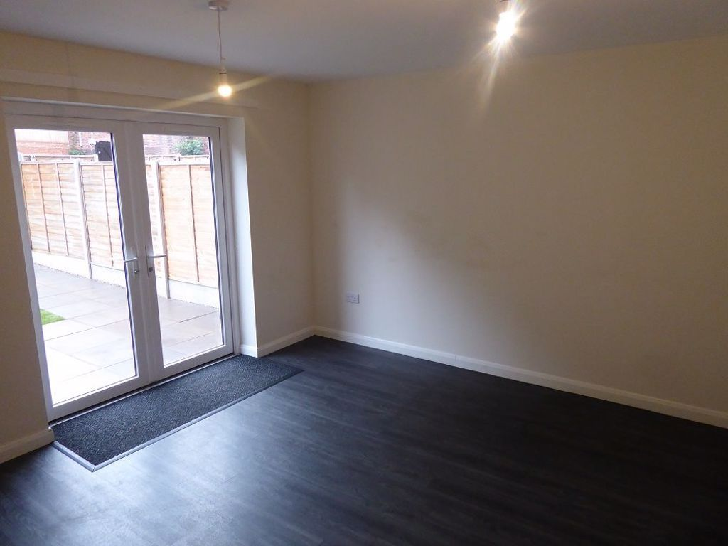 3 bed  to rent in Lye 4