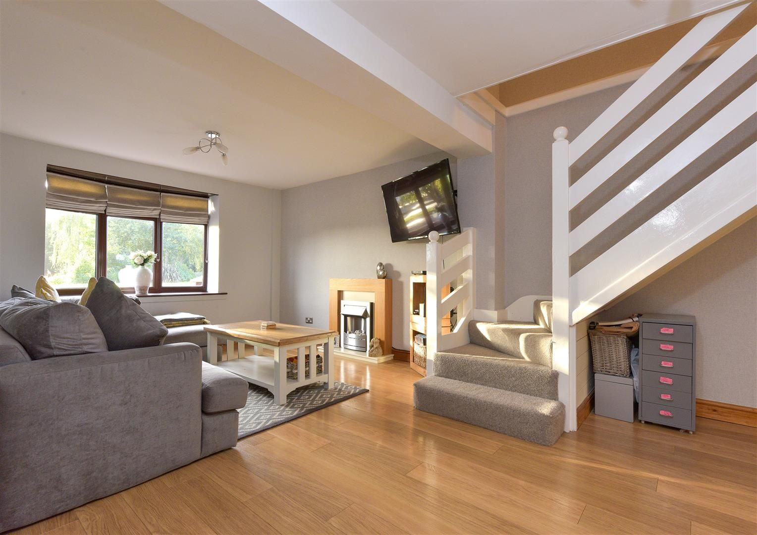 3 bed semi-detached for sale in Hayley Green 3
