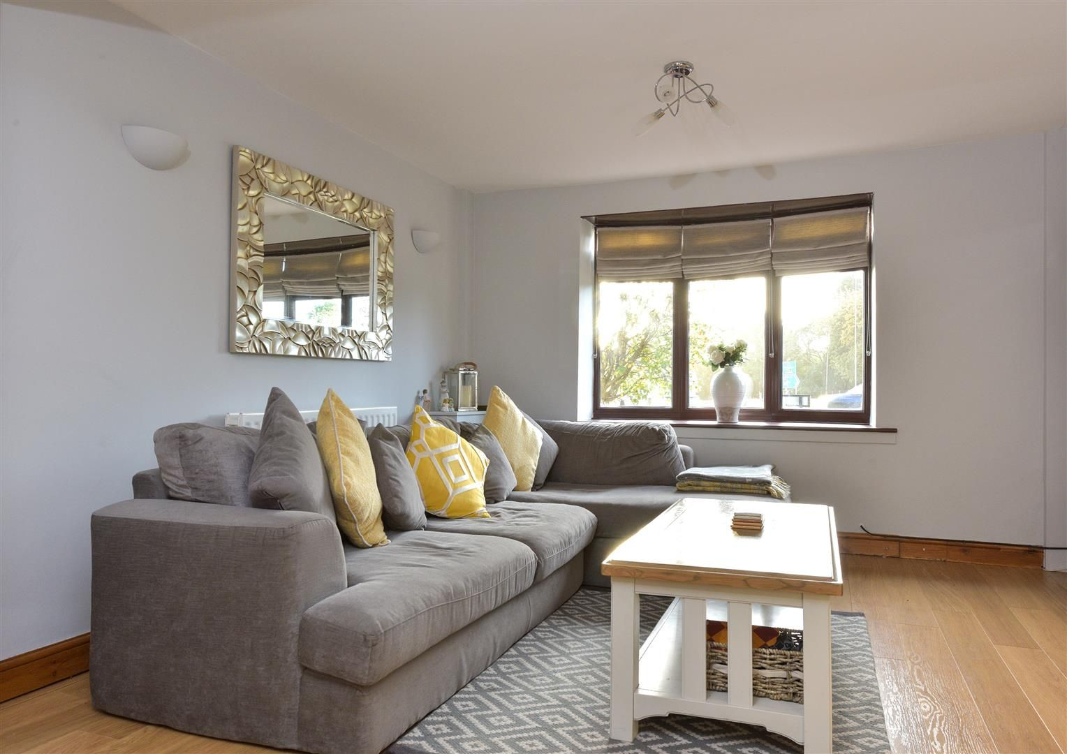 3 bed semi-detached for sale in Hayley Green 4