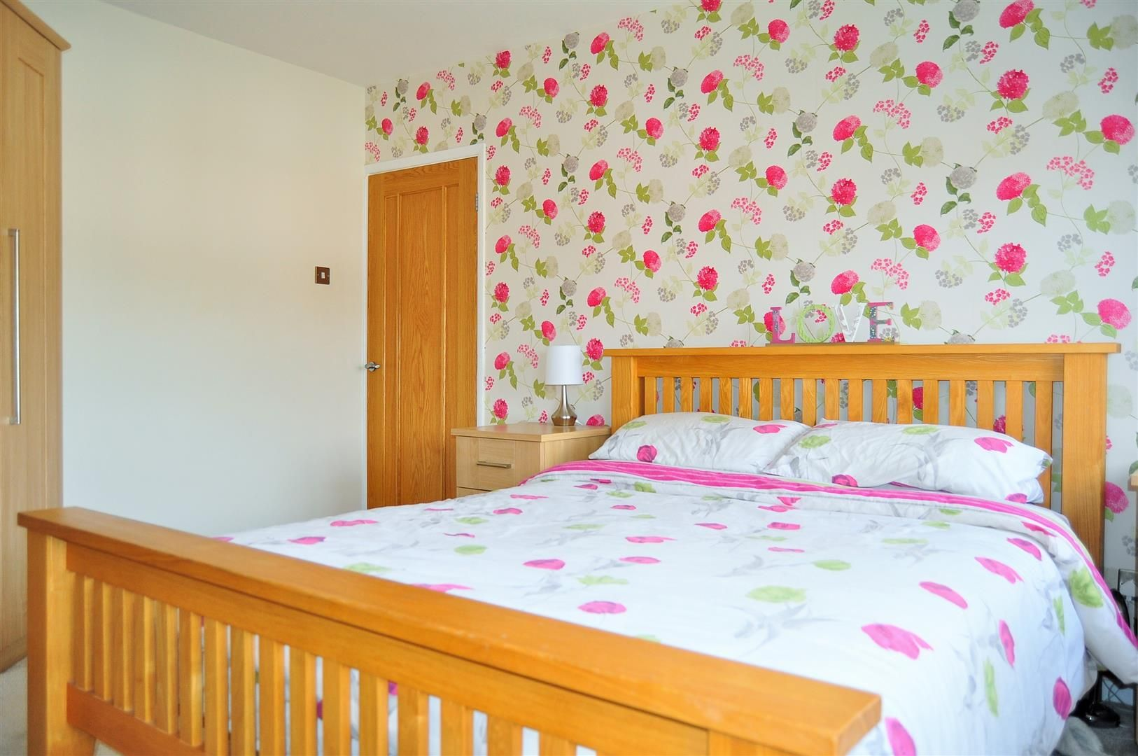4 bed semi-detached for sale  - Property Image 14