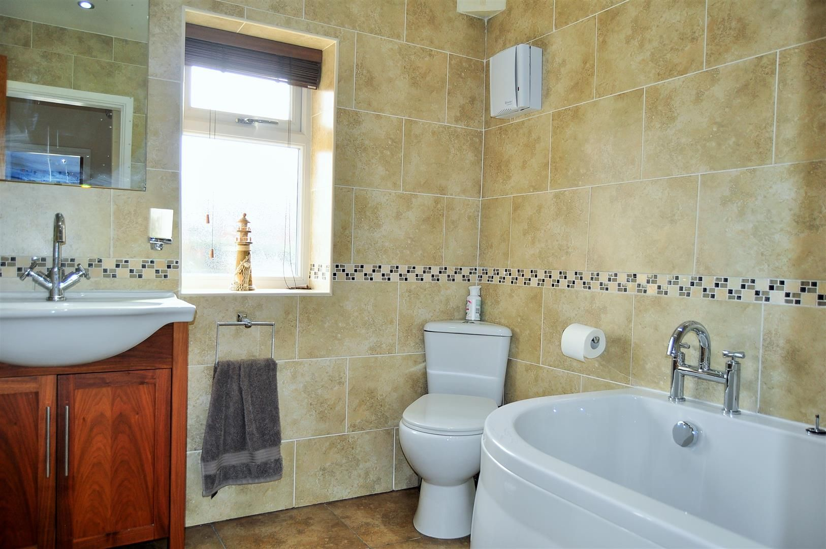 4 bed semi-detached for sale 19