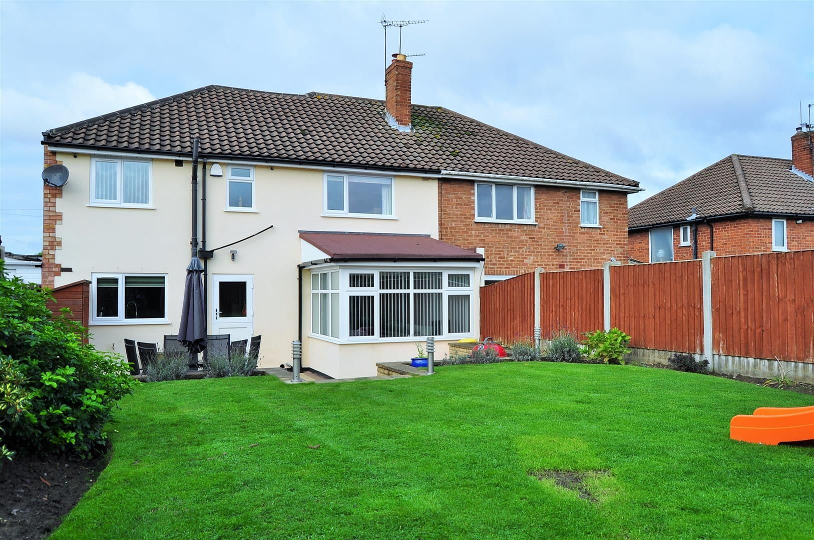 4 bed semi-detached for sale  - Property Image 24