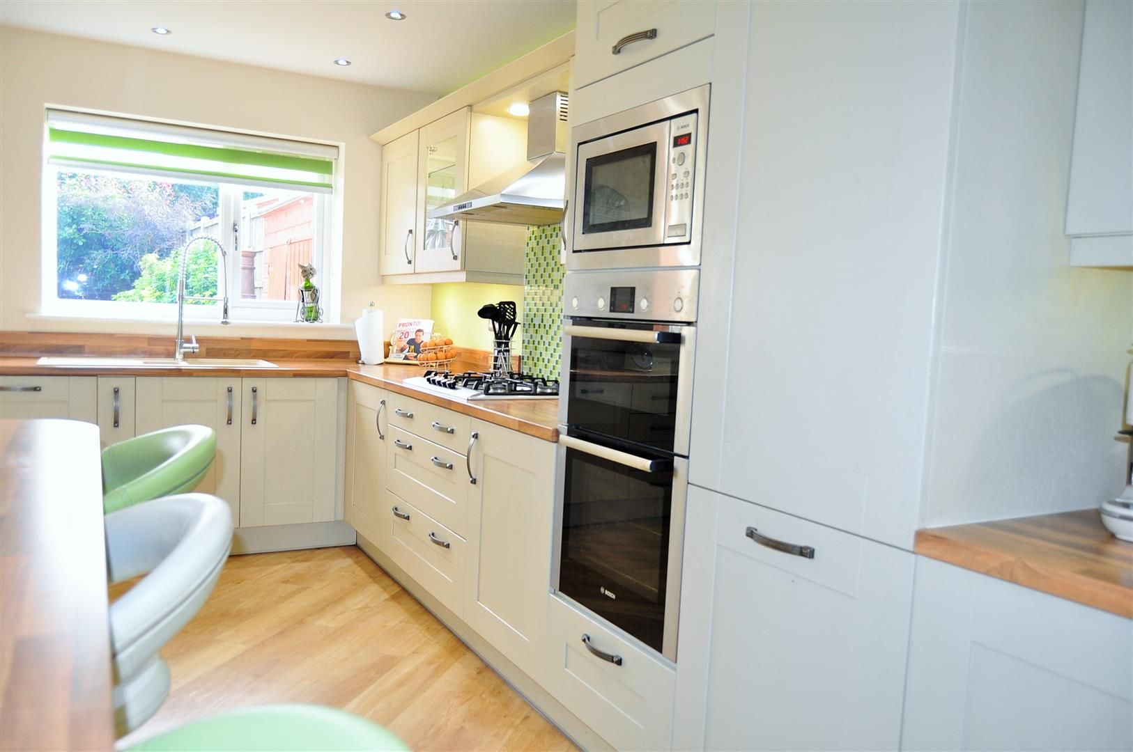 4 bed semi-detached for sale  - Property Image 8