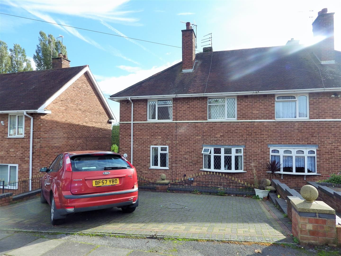 4 bed semi-detached for sale in Quinton, B32