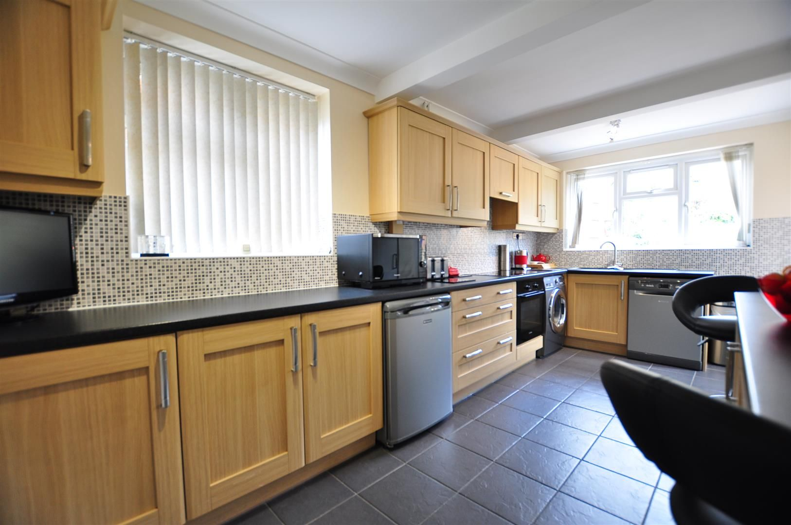 3 bed semi-detached for sale in Lower Gornal 2