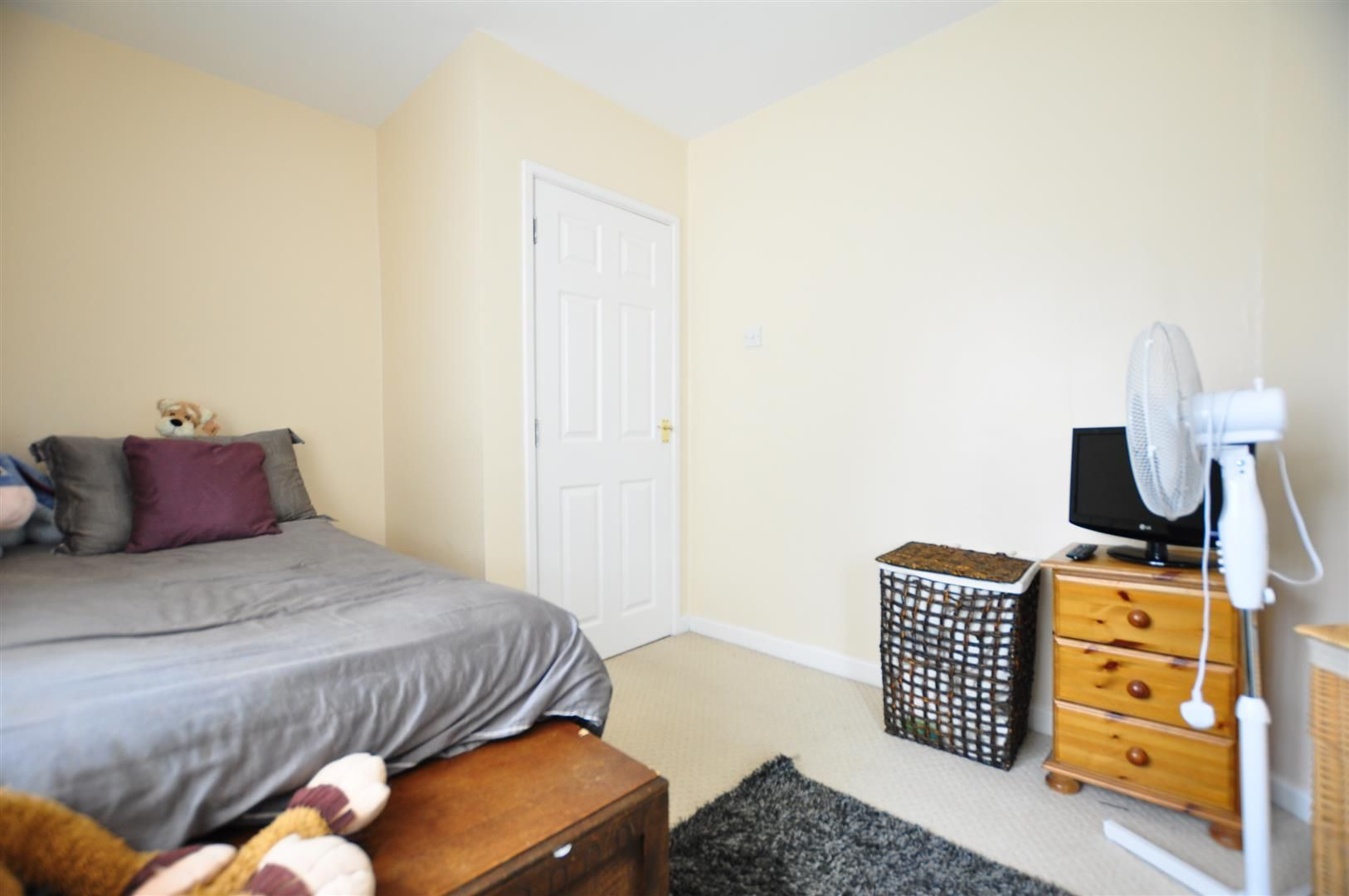 3 bed semi-detached for sale in Lower Gornal  - Property Image 11
