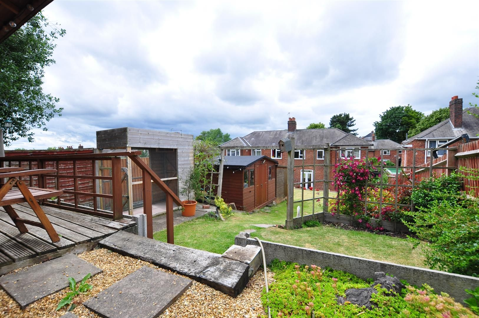 3 bed semi-detached for sale in Lower Gornal  - Property Image 19
