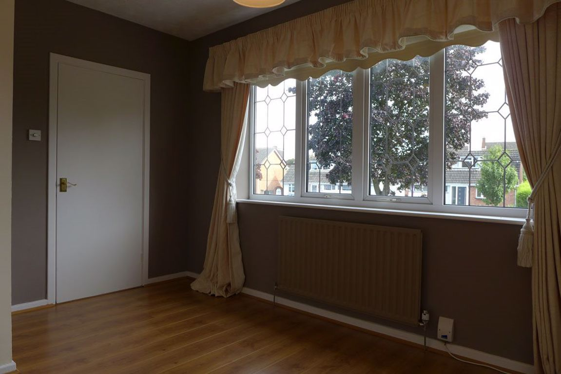 4 bed  to rent in Pedmore 12