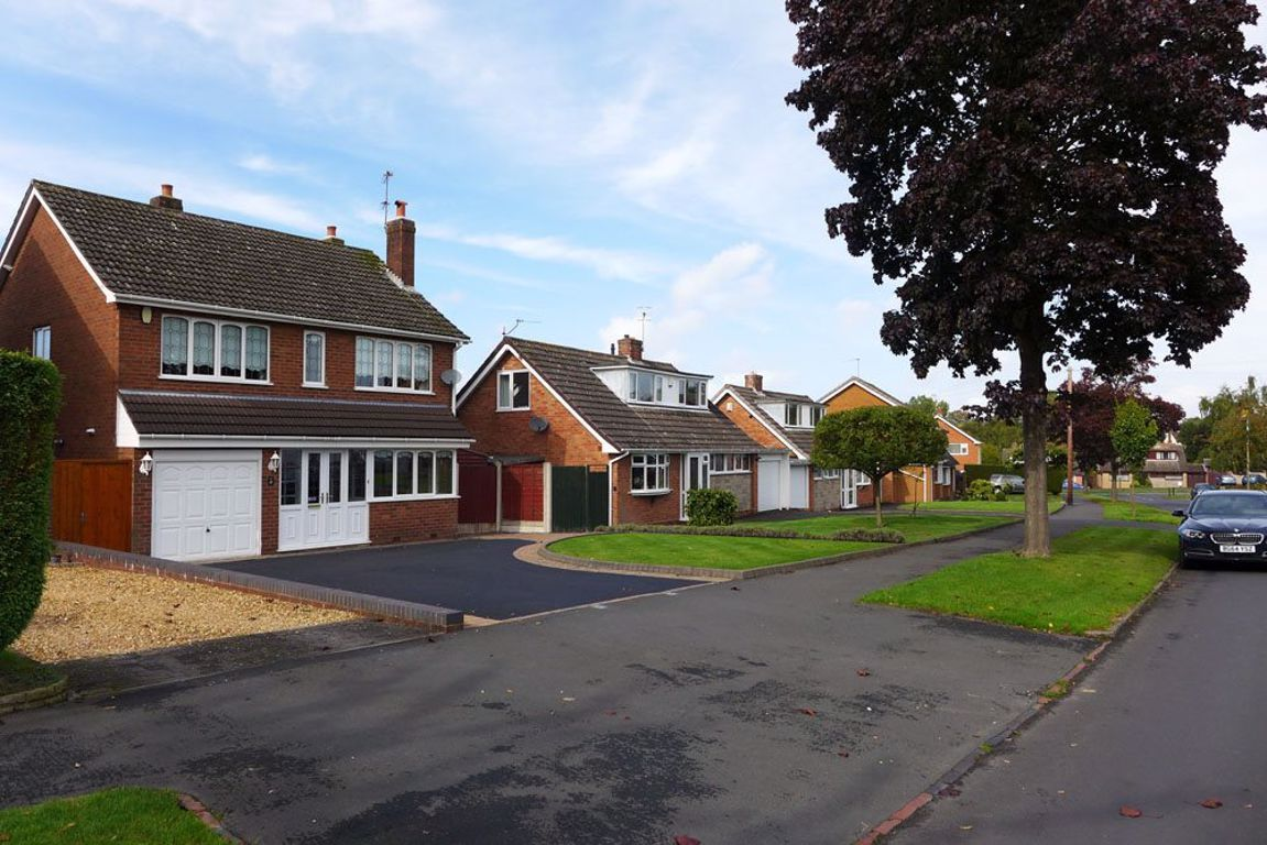 4 bed  to rent in Pedmore 18
