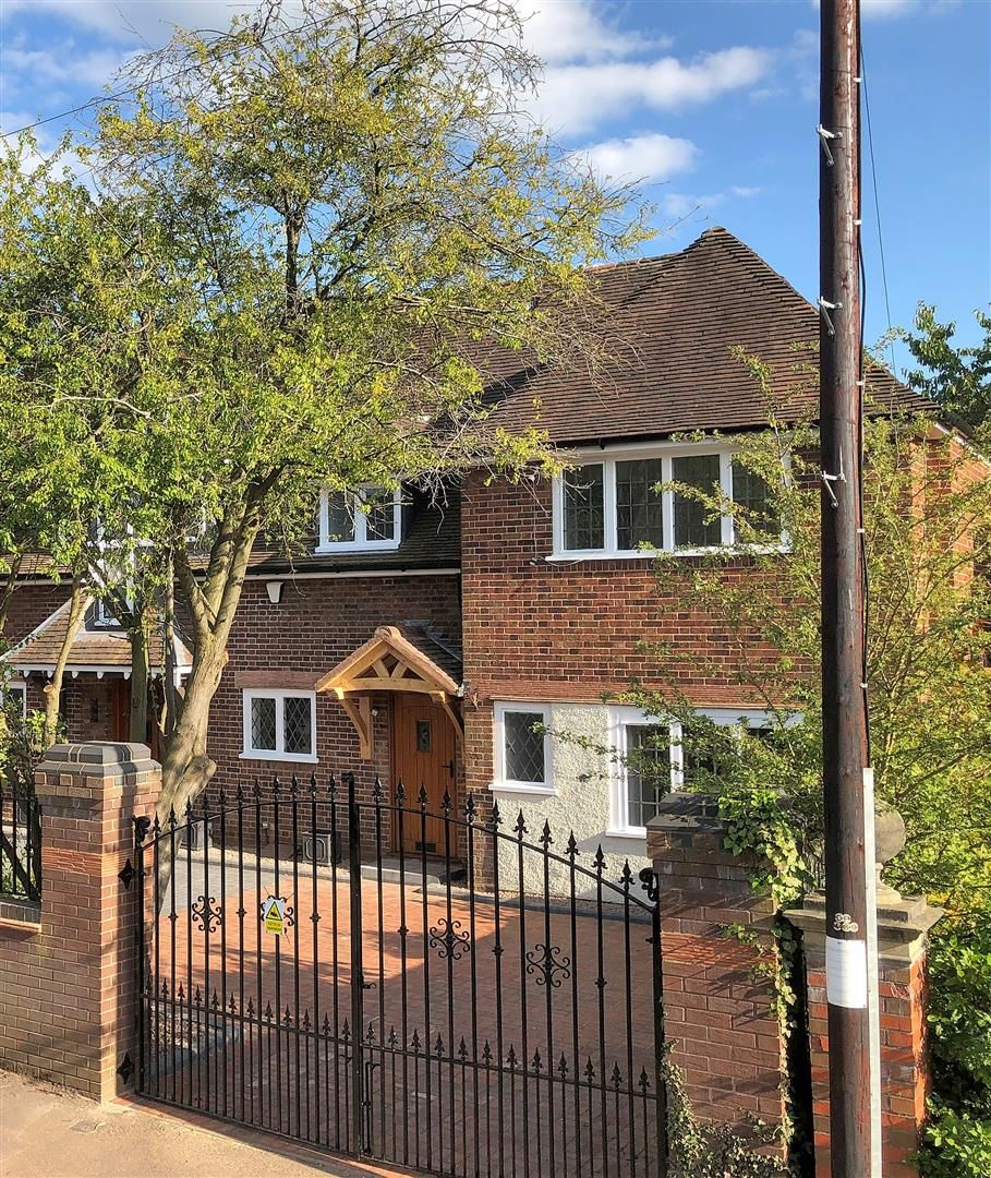 3 bed town-house for sale 23