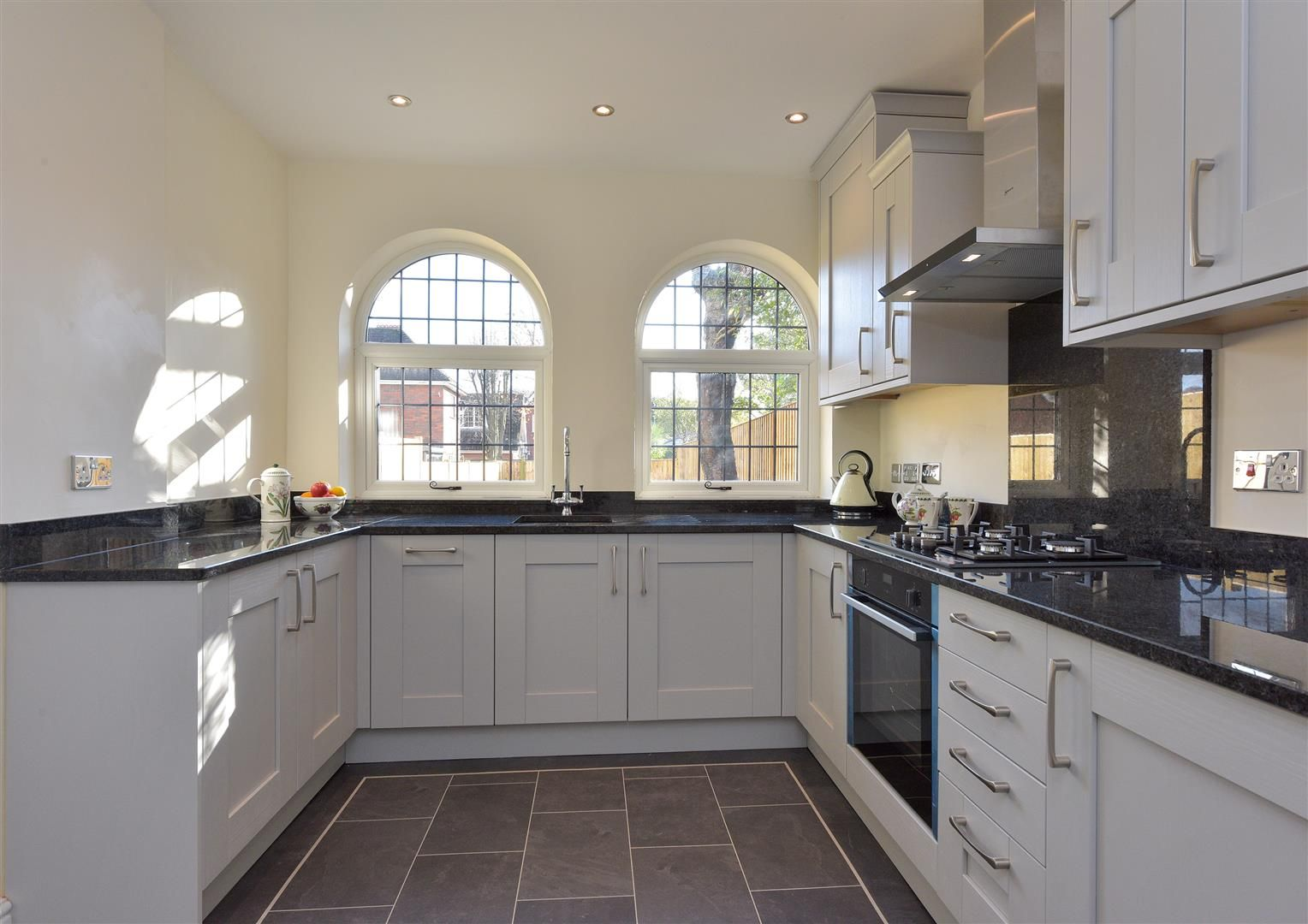 3 bed town-house for sale  - Property Image 7