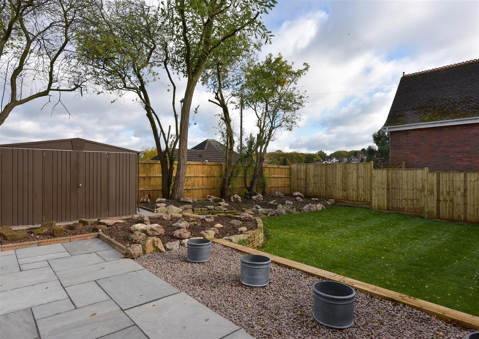 4 bed town-house for sale in Pedmore 16