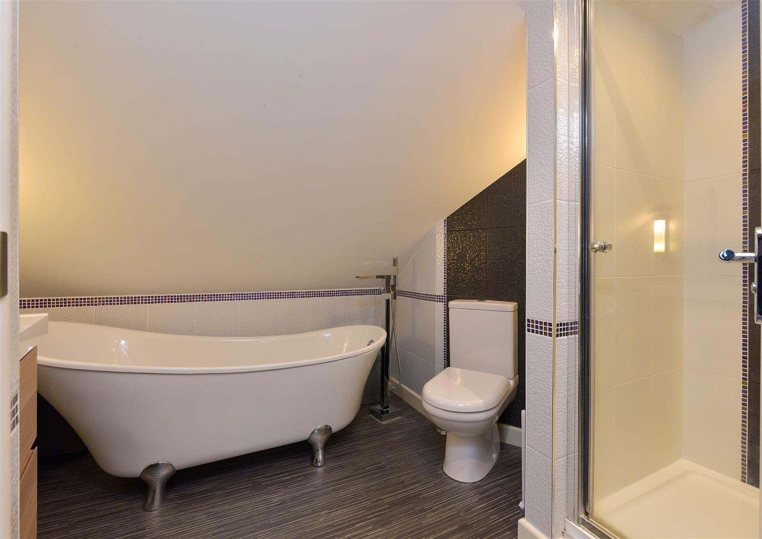 4 bed semi-detached for sale  - Property Image 12
