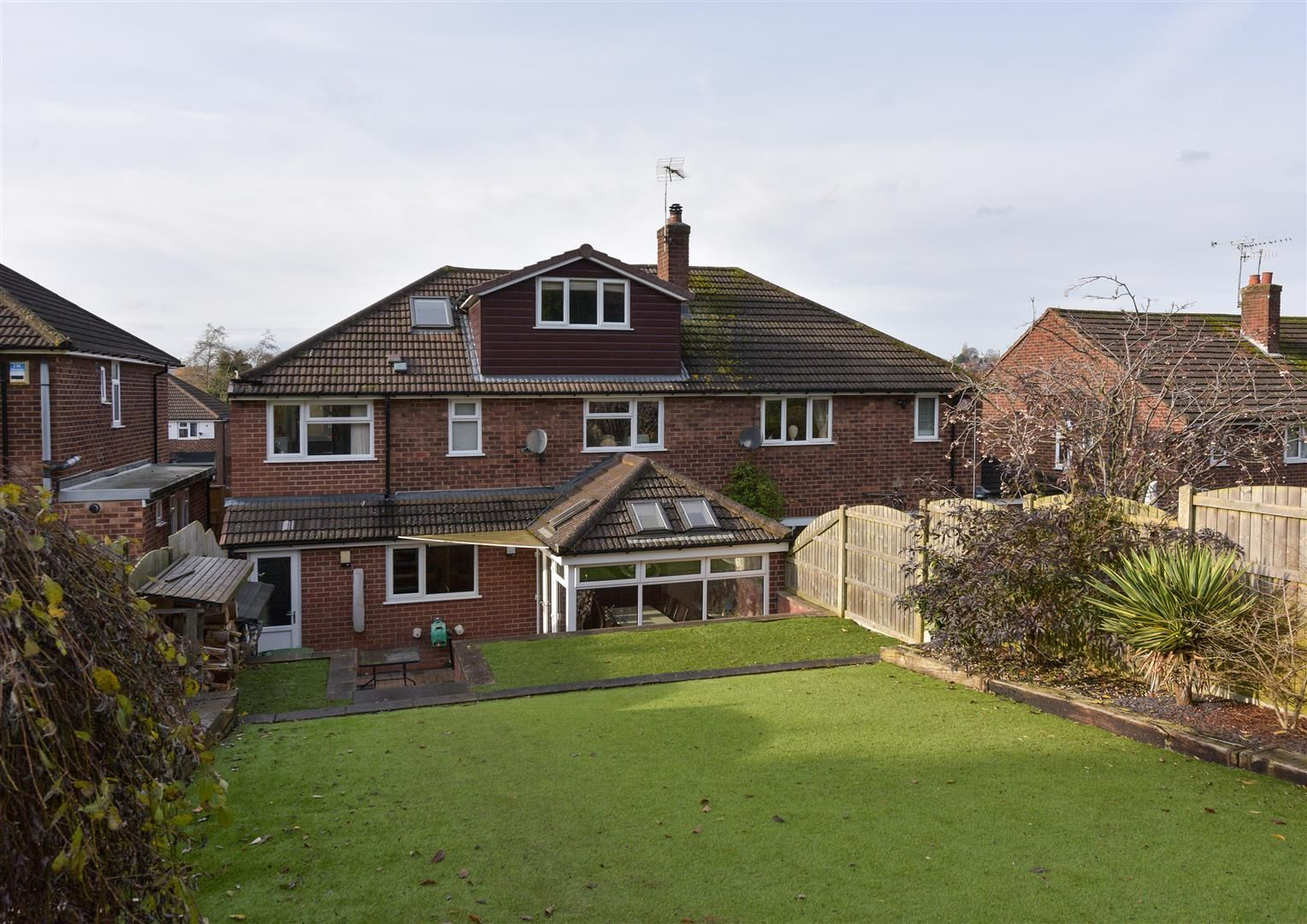 4 bed semi-detached for sale 16