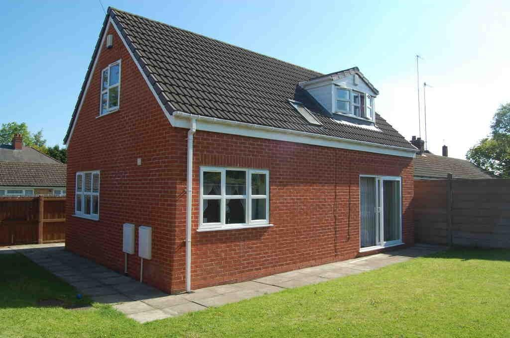 2 bed detached for sale 7