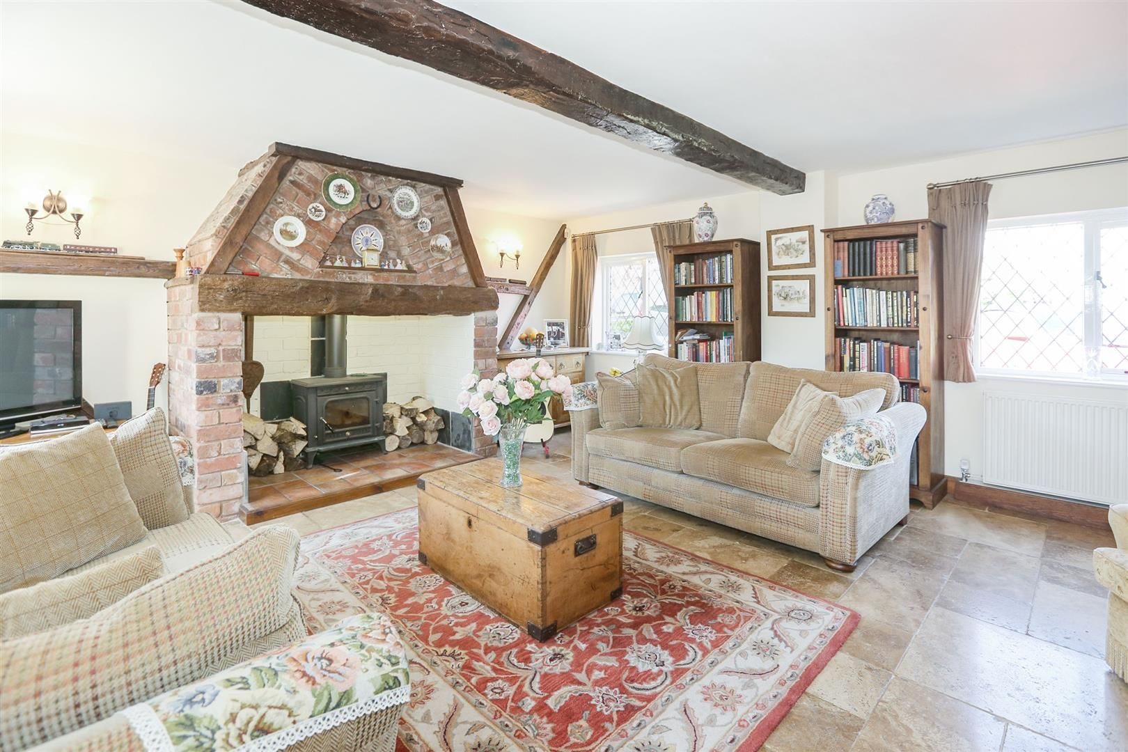 3 bed barn-conversion for sale in Hagley 2