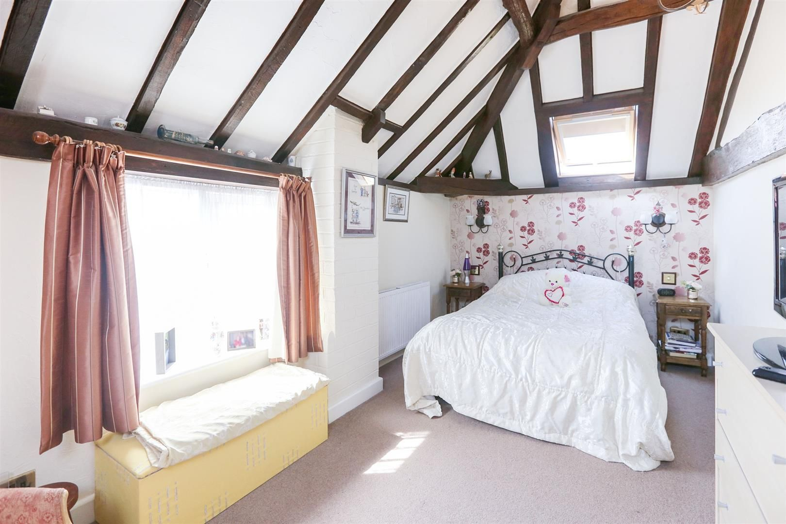 3 bed barn-conversion for sale in Hagley 11