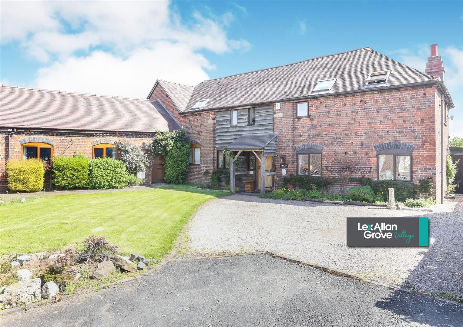 3 bed barn-conversion for sale in Hagley 19