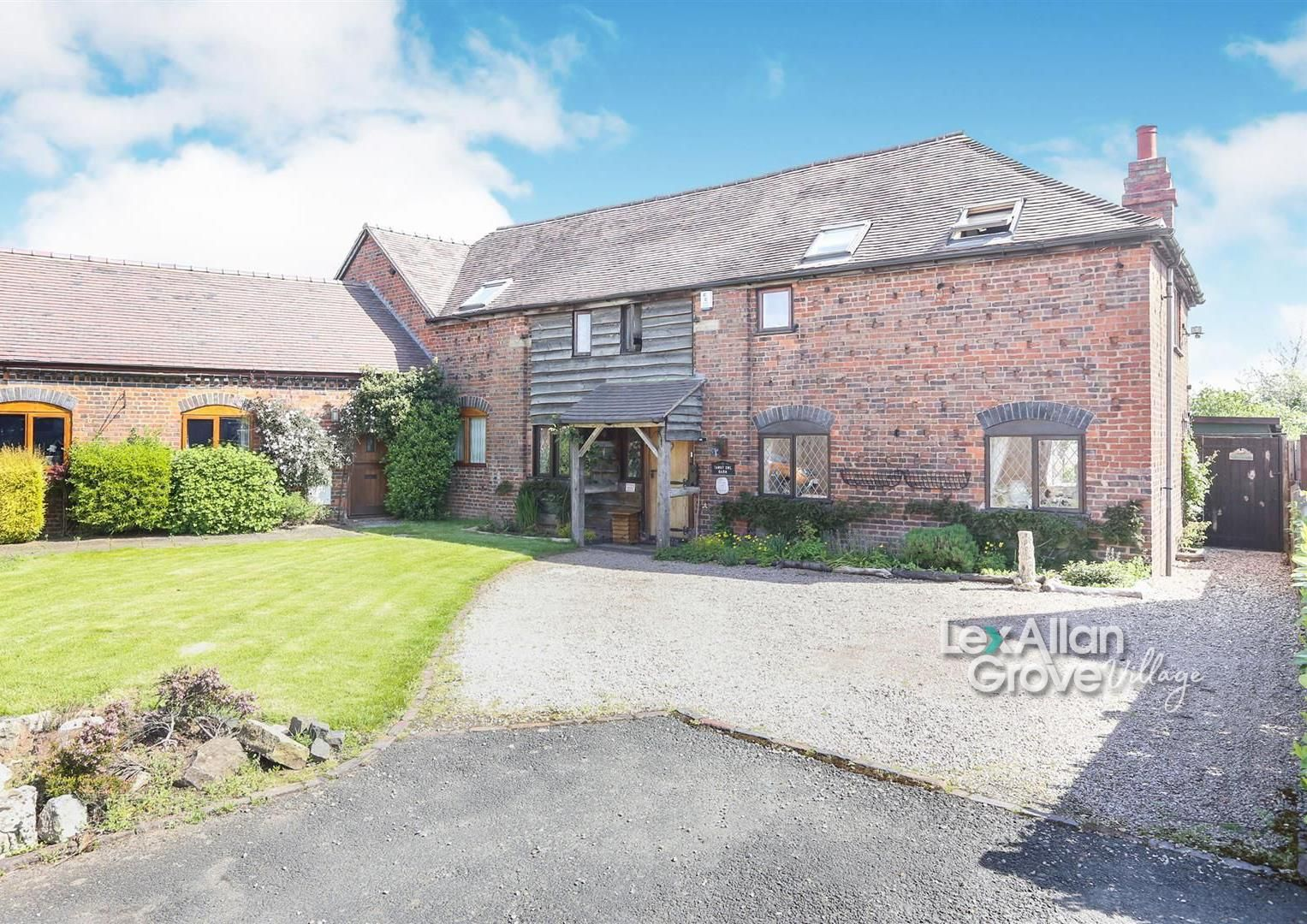 3 bed barn-conversion for sale in Hagley  - Property Image 4