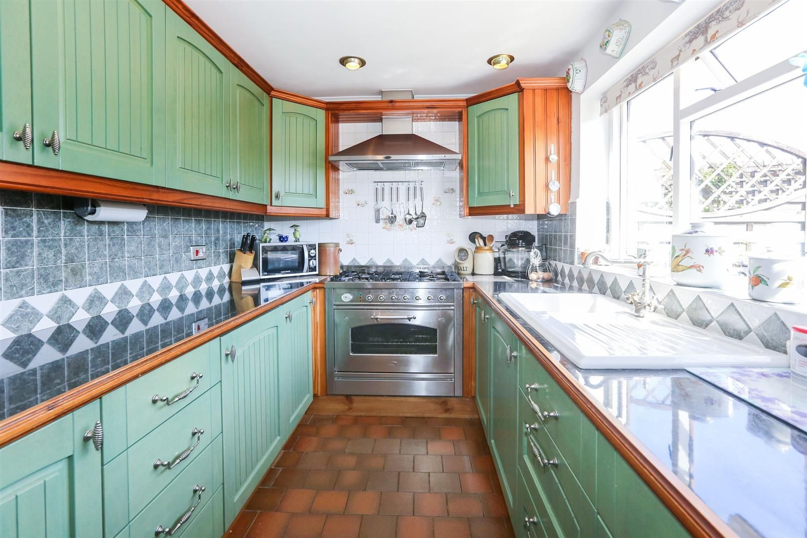 3 bed barn-conversion for sale in Hagley 8