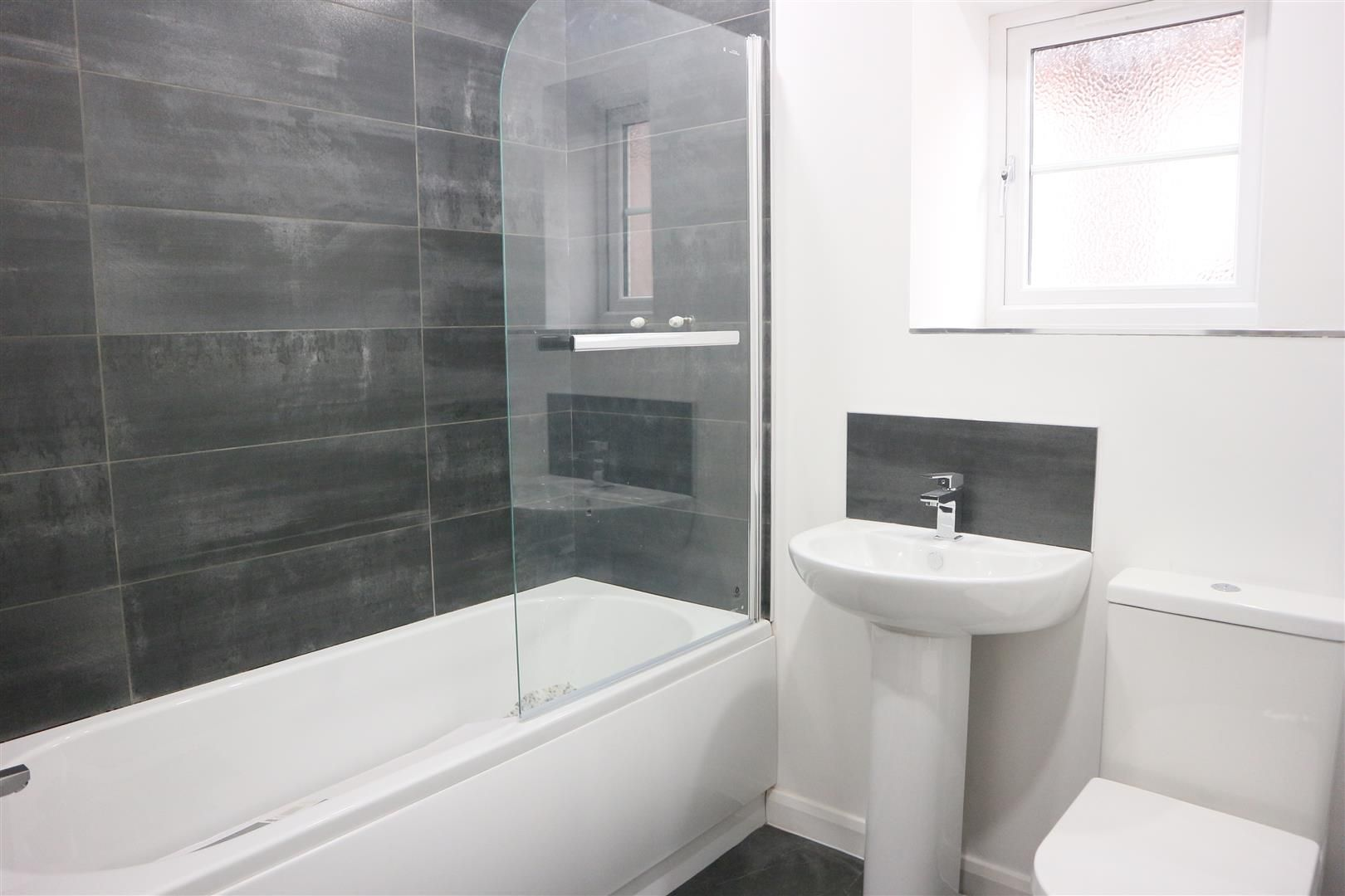 3 bed semi-detached for sale in Netherton 6