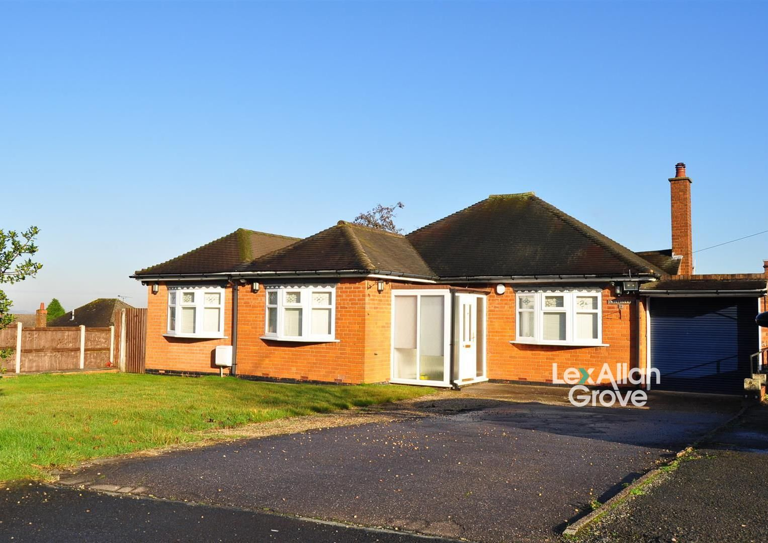 4 bed link-detached-house for sale in Romsley, B62