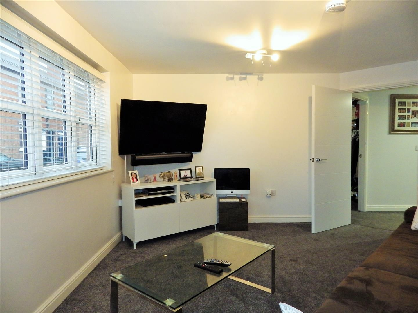 1 bed flat for sale  - Property Image 3