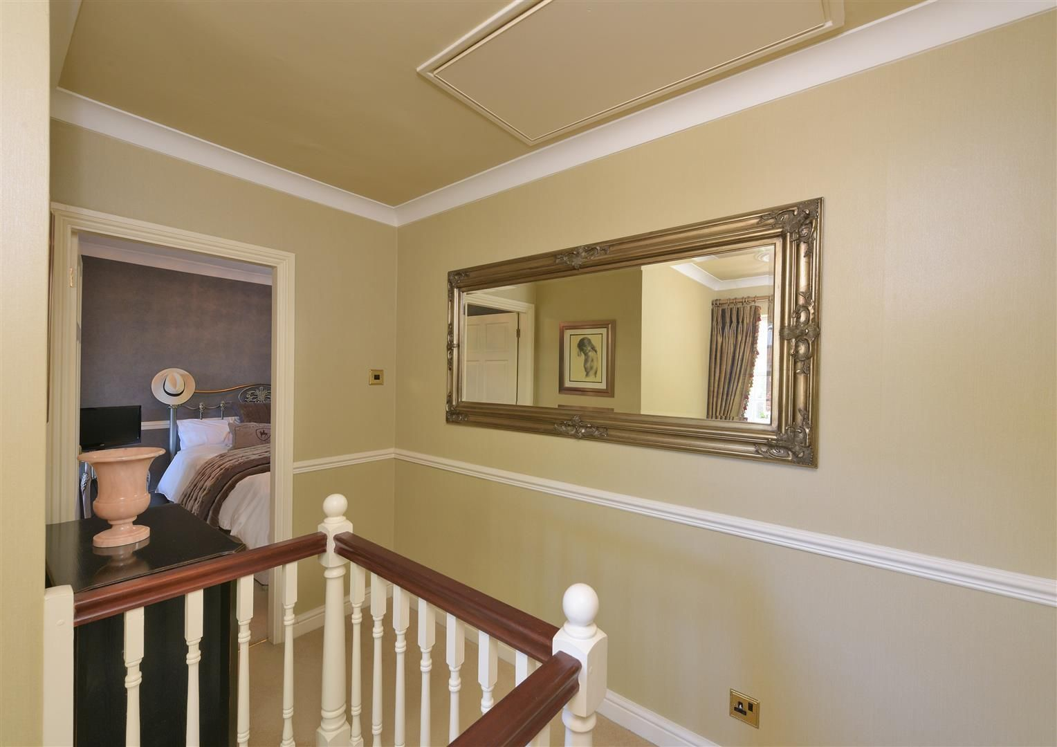 3 bed house for sale in Hagley 11