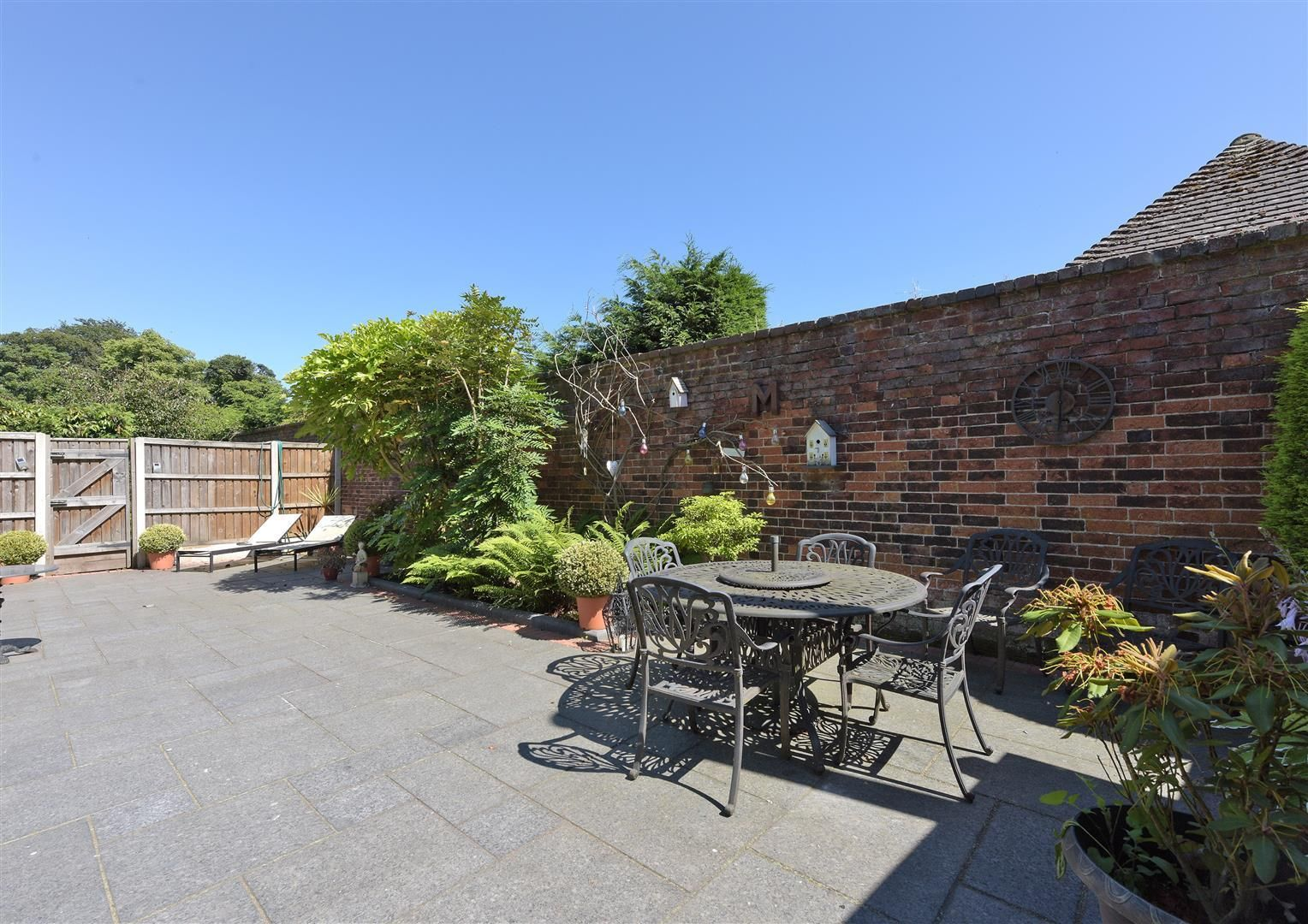 3 bed house for sale in Hagley 21