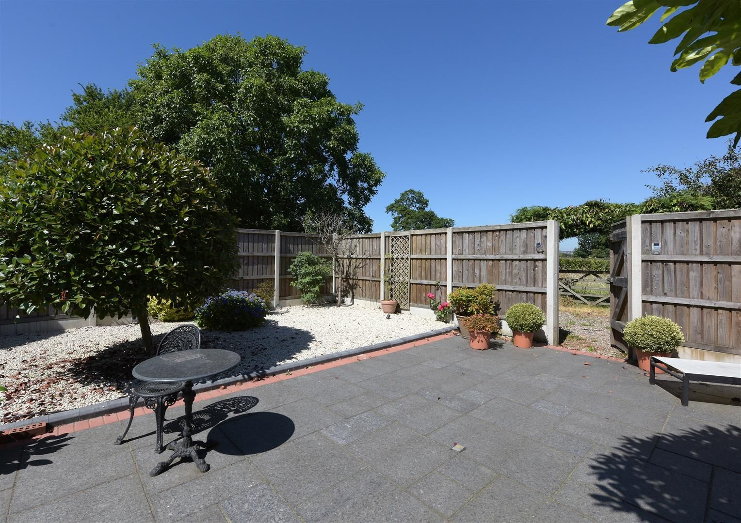 3 bed house for sale in Hagley 22