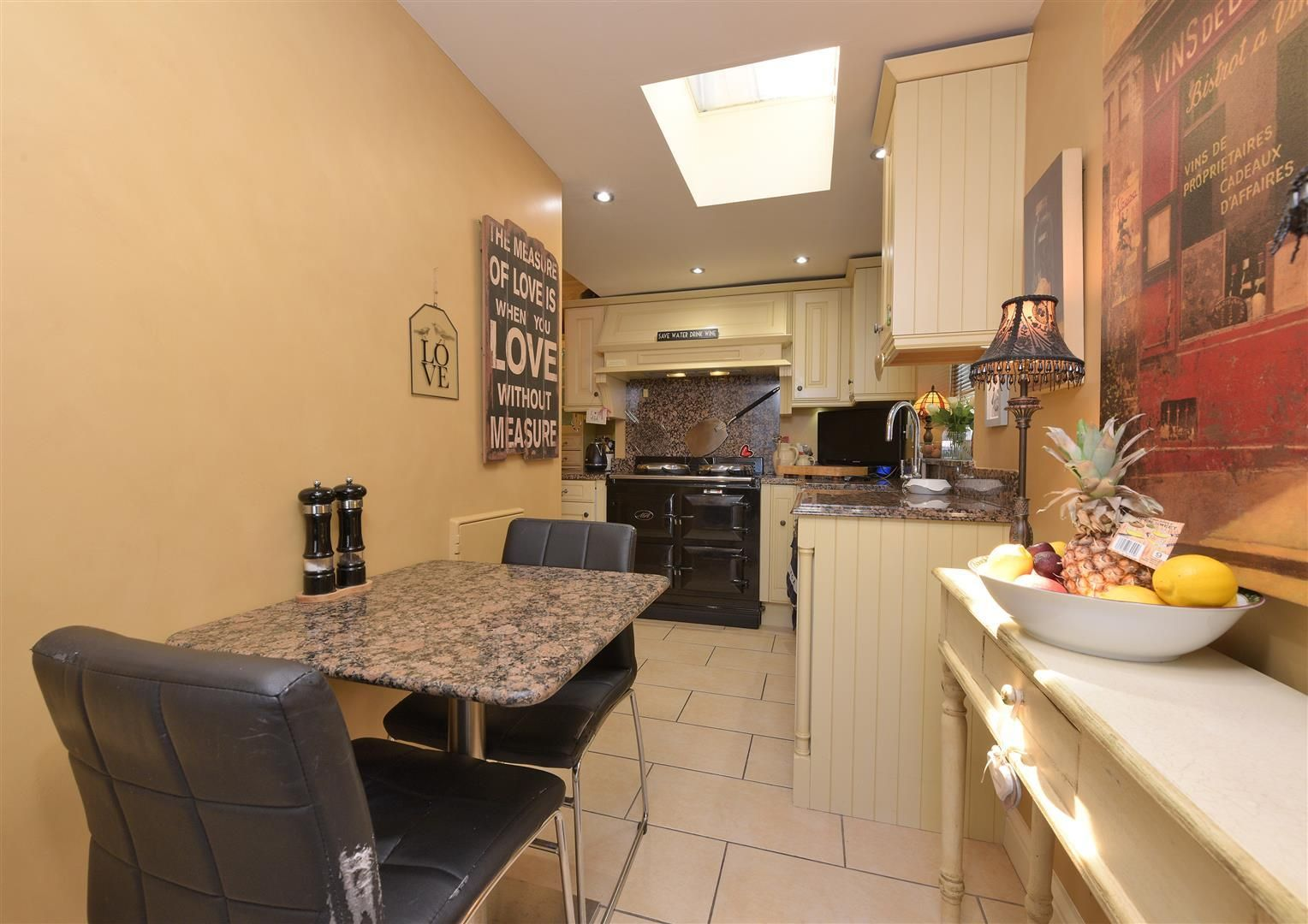 3 bed house for sale in Hagley 9