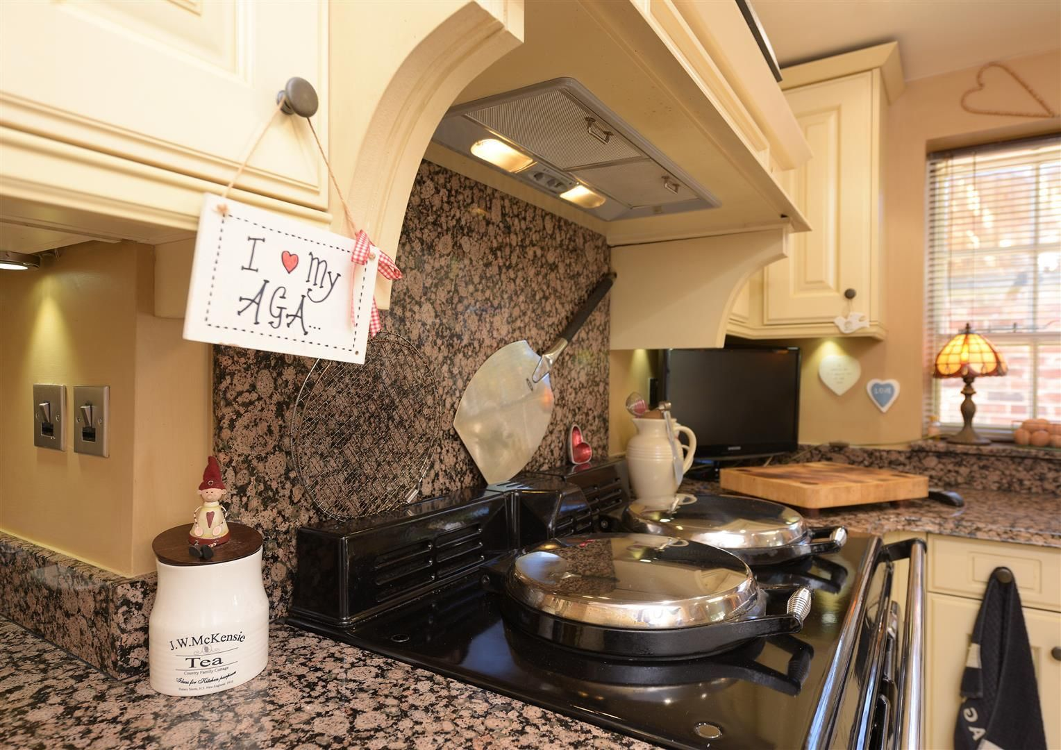 3 bed house for sale in Hagley  - Property Image 10